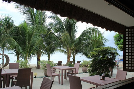 Pearl Restaurant at Linaw Beach Resort