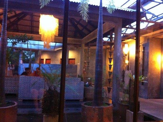 Alun-Alun Spa - Tropical Resort:                   Interno
