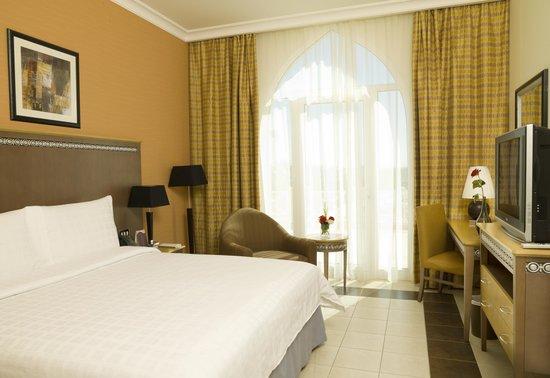 Al Jahra Copthorne Hotel & Resort: Standard Room