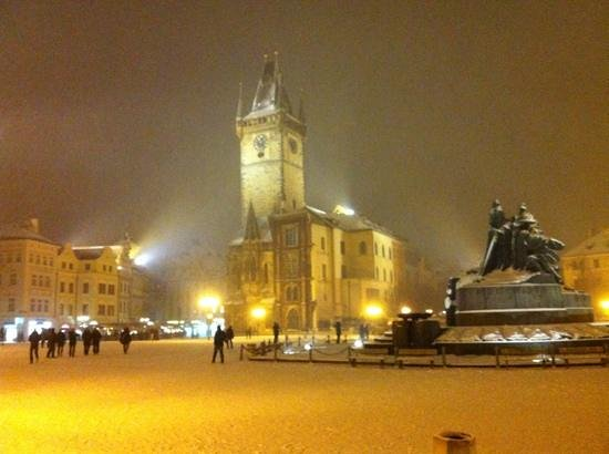 Hotel Kings Court:                   old town square in the snow!!