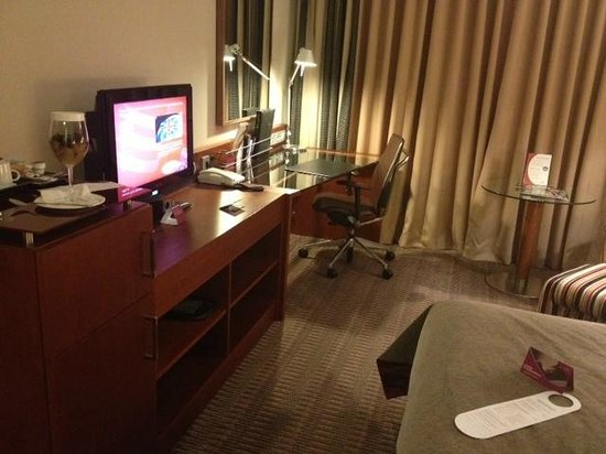 Crowne Plaza Heidelberg City Centre:                   Nice big club room which is well equipped..