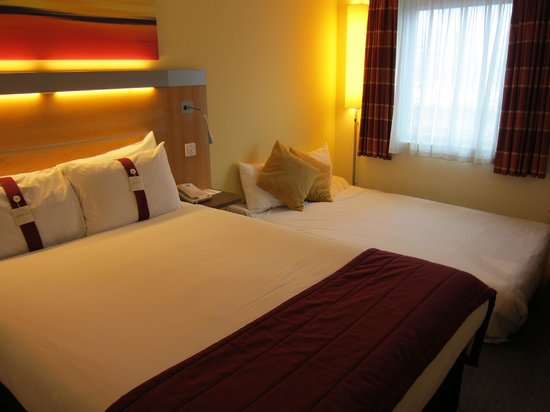Holiday Inn Express London-Swiss Cottage:                   Double bed with double sofa bed