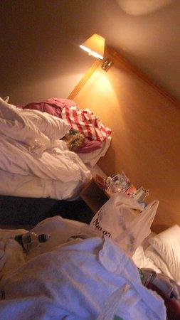 Travelodge Belfast Central:                   Room6