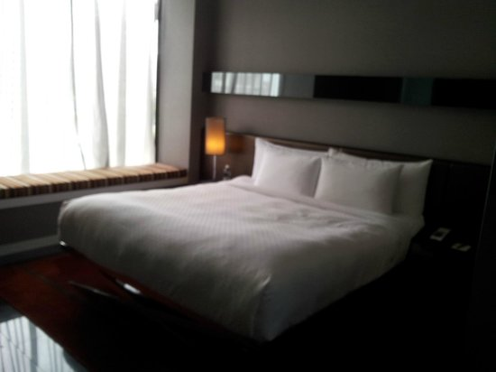 The Quincy Hotel by Far East Hospitality:                   Bedroom