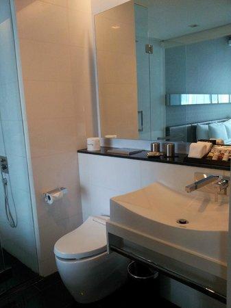 โรงแรม เดอะ ควินซี บาย ฟาร์ อีสต์ ฮอสพิทาลิตี้:                   Bathroom