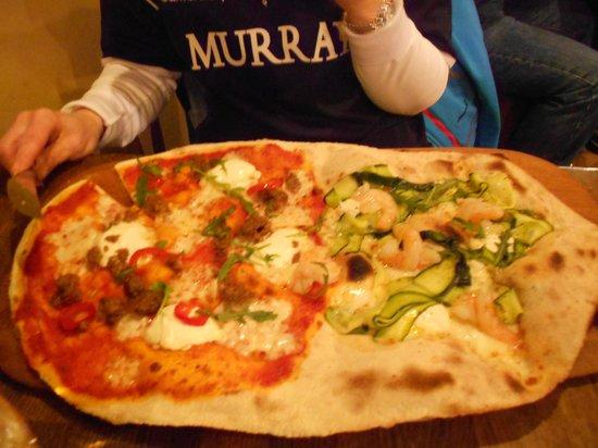 Zizzi - Edinburgh Queensferry Street:                   Rustica Mare e Monti pizza