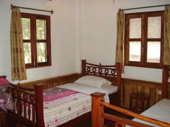 Villa Aphay Guest House