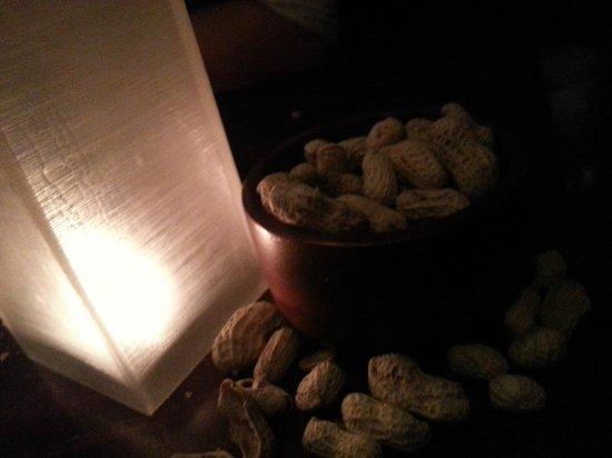 Fairmont Makati:                   free nuts