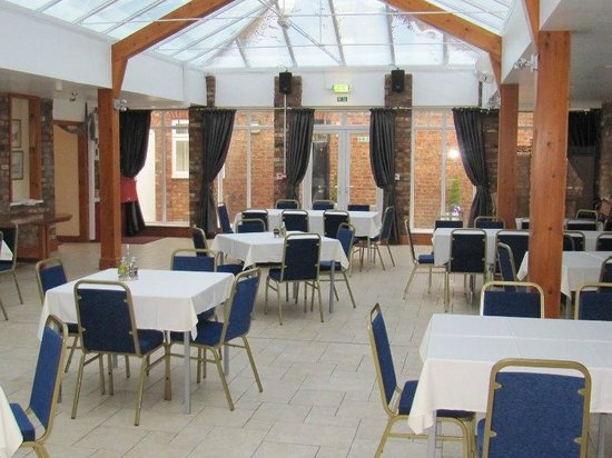 Blue Bell Hotel: Courtyard Restaurant and Function Room