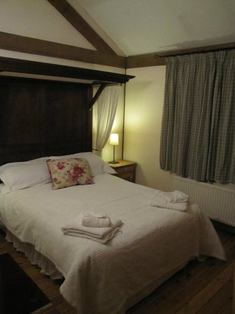 Griffon Forest Lodges:                                     Double room