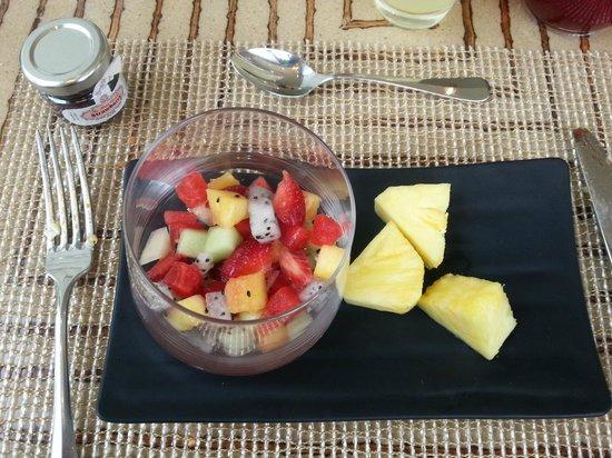 Fairmont Makati:                   fruits