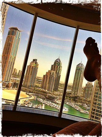 جروزفينور هاوس دبي:                   vista dal letto                 