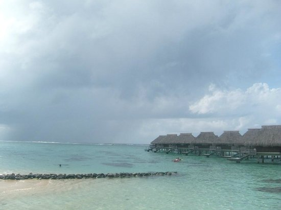 Pension Motu Iti:                   Beach of Moorea Pearl Resort (Hilton)