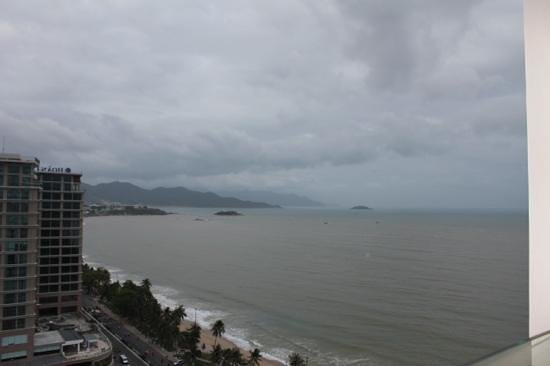 Sheraton Nha Trang Hotel and Spa :                   view from level 18