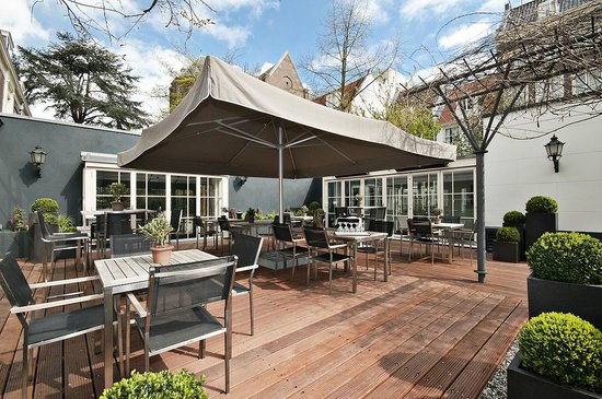 Espresso Bar: Espresso Garden during sunny long days of summer