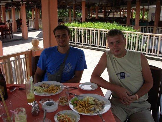 AIDA Ala carte Restauarant:                   Дима и Алекс в ресторане Аида