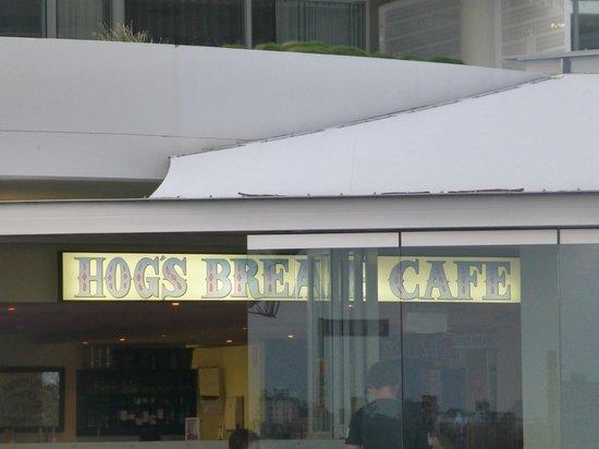 Hog's Breath Cafe:                   front entrance