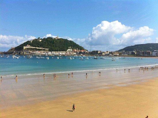 La Concha Beach:                   Playa de la Concha