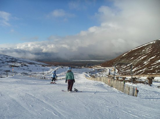 CairnGorm Mountain:                   Looking down from the first run