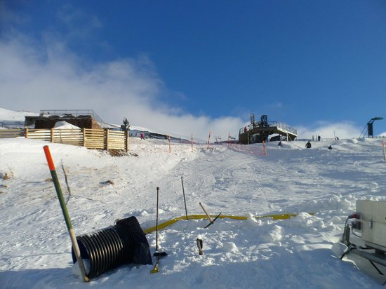 CairnGorm Mountain:                   Up to the second lift