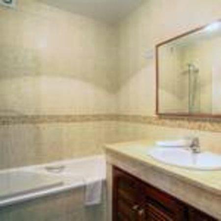 San Pedro Apartamentos: Baño
