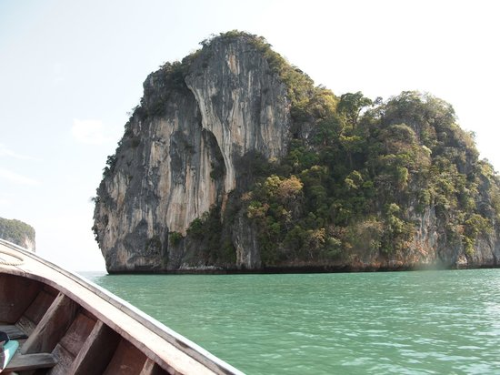 Andaman Camp and Day Cruise:                   Hongisland