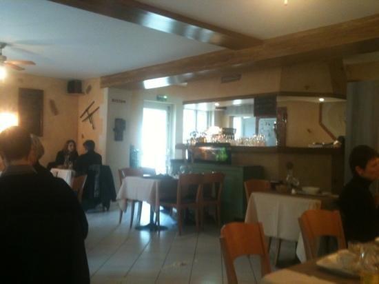 Salle de réception De l'ire :                   restaurant L Yre
