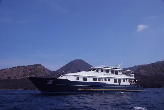 Freedom Divers Phuket: Our flagship liveaboard yacht, the M/Y Seamaster