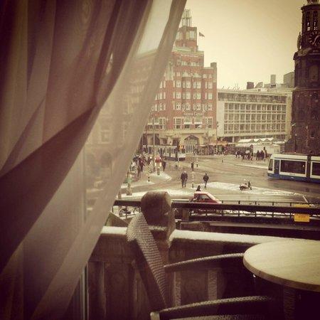 De L'Europe Amsterdam:                   вид с балкона спальни