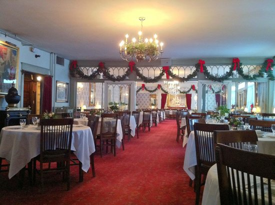 The Red Lion Inn:                   Dining Room