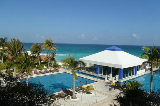 Solymar Cancun Beach Resort:                   Vista da recepção do hotel