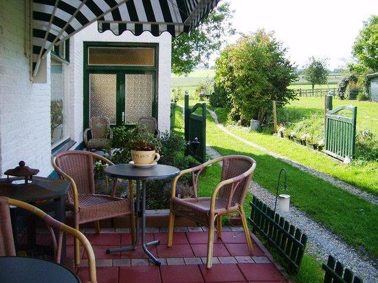 Wandelhotel In 't Groene Dal: Zijterras