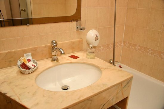 Paix Republique: Salle de bain Chambre Supérieure