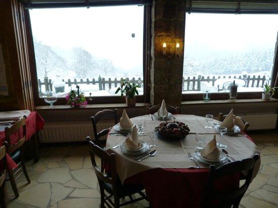 Hotel Grand Champ :                   salle à manger