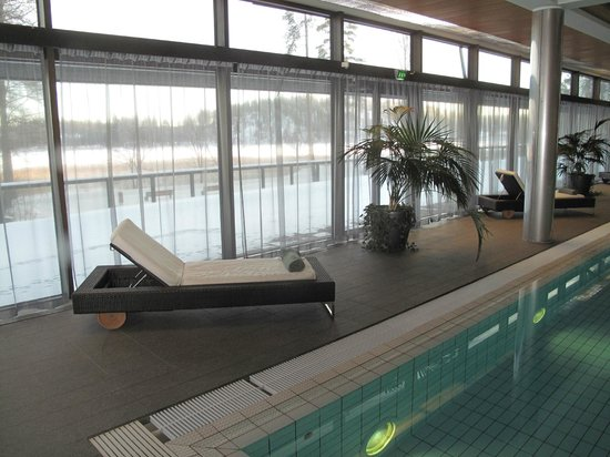 Langvik Congress Wellness Hotel:                   Recliners for relaxing between dips