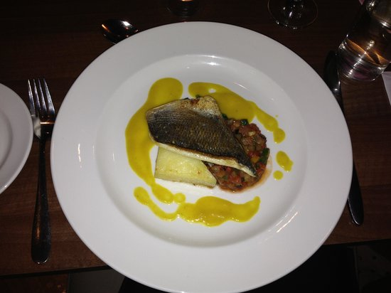 Hilton Garden Inn Bristol City Centre:                   Valentines menu- fish was amazing !!!