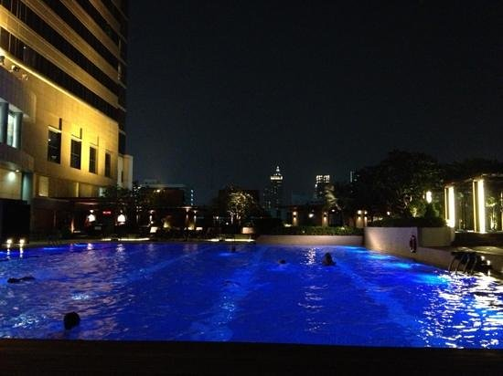 Pathumwan Princess Hotel: Swimming Pool