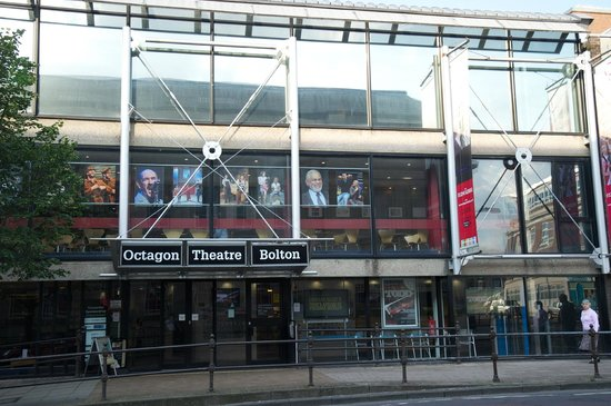 ‪Octagon Theatre‬