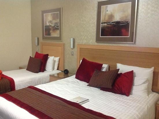 BEST WESTERN PLUS The Travel Inn Hotel:                   main bedroom