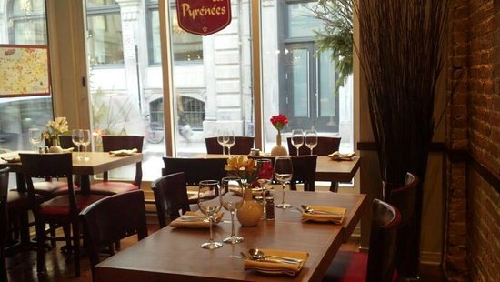 Ambiance bistro picture of restaurant les pyrenees - Ambiance bistrot ...