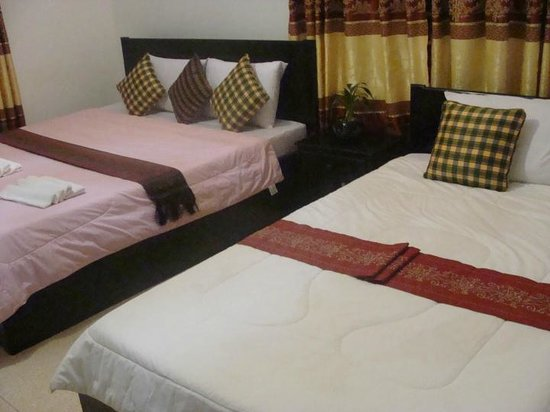 Bou Savy Guest House:                   Rooms