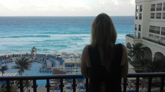 Marriott Cancun Resort:                   Ocean View Room