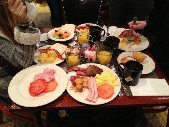 Belvedere Hotel: Petit-déjeuner