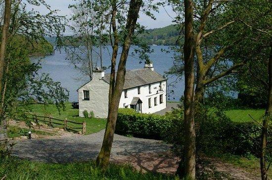 Graythwaite Cottages: Hullet hall