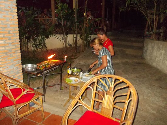 Little Princess Guesthouse:                   bbq time