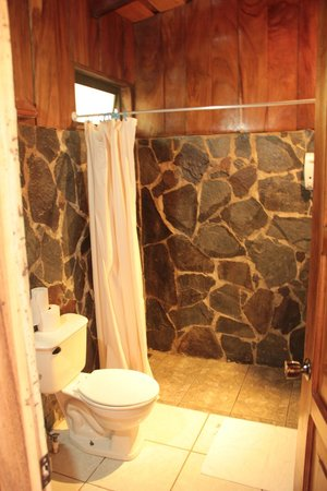 Cabinas Capulin:                   Bathroom