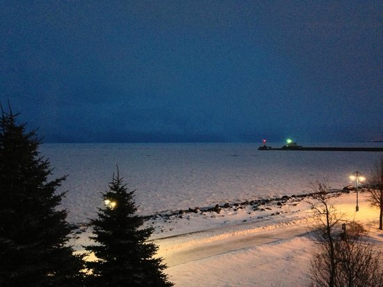 Hampton Inn Duluth:                   View from Room 333