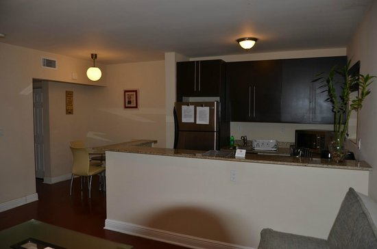 751 Meridian Apartments:                   Nice kitchen and dining nook