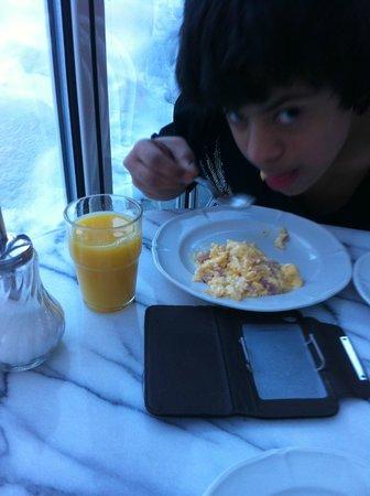 Bijou Hotel:                   Breakfast.. hot and fresh