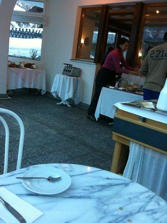 Bijou Hotel:                   Breakfast area